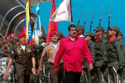 """Parlamento venezolano declara a Maduro en """"abandono de cargo"""""""