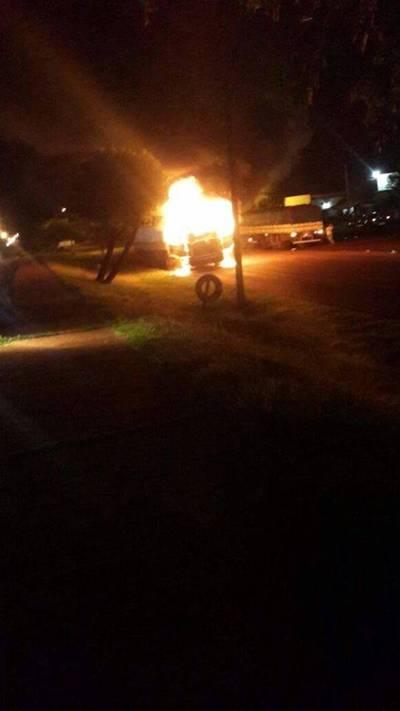 Scania ardió en llamas