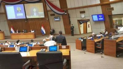 Pelea por las firmas pro enmienda tuvo se réplica en Comisión Permanente