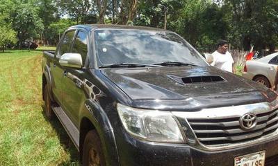Policía recupera camioneta que fue robada una hora atrás
