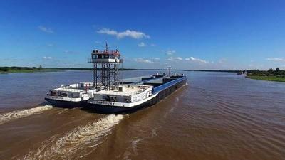 Paraguay construye el portacontenedores más grande de la hidrovía