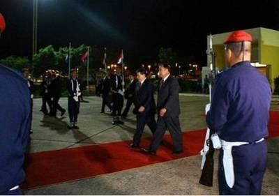 El Presidente Cartes partió rumbo a Emiratos Árabes