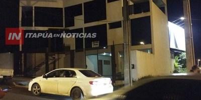 """VAN 6 FAMILIAS ESTAFADAS CON EL ALQUILER """"FANTASMA"""" EN ENCARNACIÓN"""