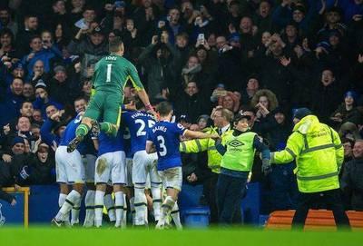 Everton golea al City de Pep Guardiola