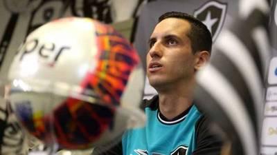 Presentan a 'Gatito' en el Botafogo