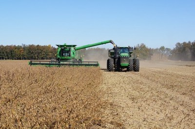 Cosecha de soja inició con alto promedio por hectárea