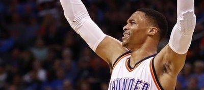 A ritmo histórico: Westbrook se acerca a la gran hazaña
