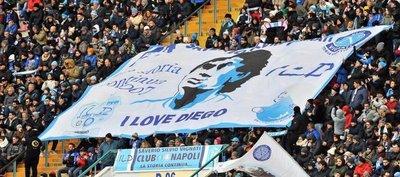 Maradona revive por una noche los recuerdos del Scudetto