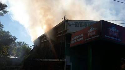 Arde local en Remansito