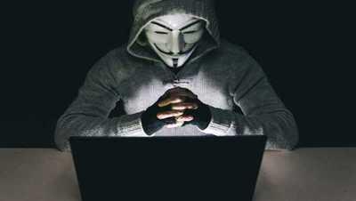 Anonymous le declara la guerra a Donald Trump