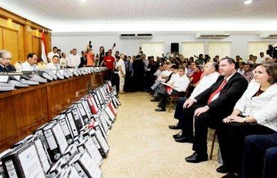 Propuesta de ANR habilita a religiosos a ser candidatos a presidente o legislador