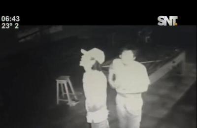 Vecinos en Capiatá detienen a sujetos luego de robar vivienda