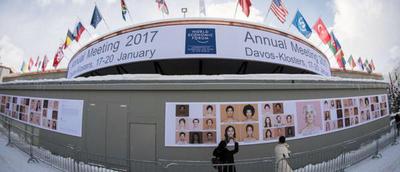 Mandatario viajó a Suiza para el Foro Económico Mundial