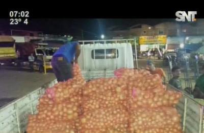 Incautan gran cantidad de cebollas y tomates