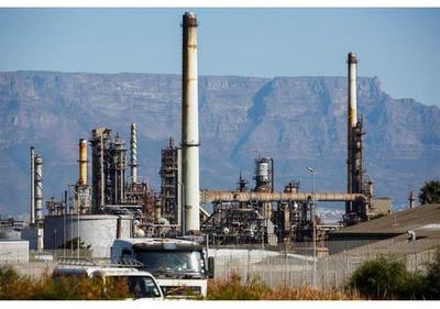 La AIE eleva ligeramente su previsión de consumo de petróleo para 2017