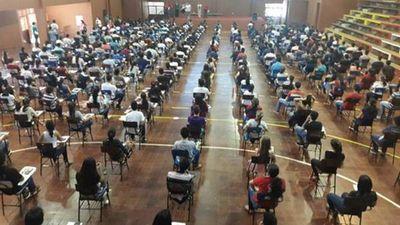 Unos 10 mil jóvenes rinden para obtener becas de Itaipú