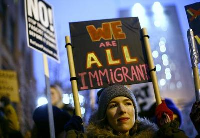 Primer revés judicial de Trump tras decreto antiinmigración