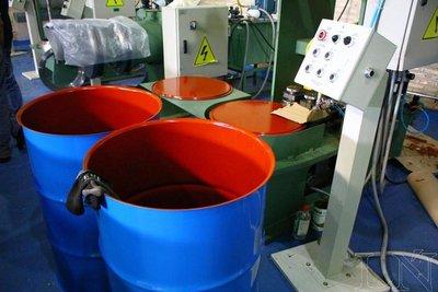 Firma local proyecta primer envío de tambores metálicos