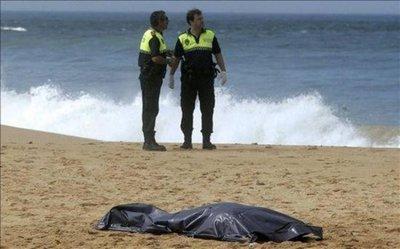 Cadáver de niño emigrante genera polémica en España