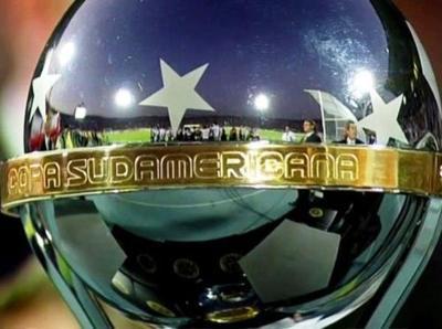 Conmebol Sudamericana se inicia con homenaje a Chapecoense