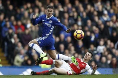 Chelsea aplasta al Arsenal con una obra de arte de Hazard