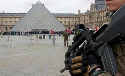 """Atacante del Louvre en relación con países islámicos, ninguno en """"prohibidos"""" por Trump"""