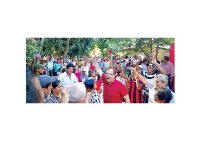 Reaparece Nicanor y critica el pacto Cartes-Lugo-Llano