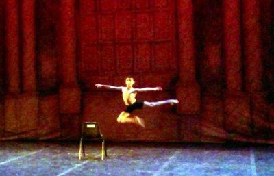 Niño se suma al ballet Bolshoi de Joinville