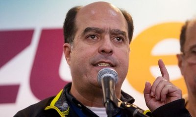 """Democracia en Venezuela está en """"fase terminal"""" , dice titular de su Parlamento"""