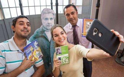 Roa Bastos reenamora y entra al mundo de las selfies