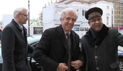 Vázquez llega a Rusia para promover cooperación y reunirse con Putin