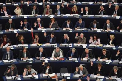 Eurocámara aprueba acuerdo comercial de UE con Canadá
