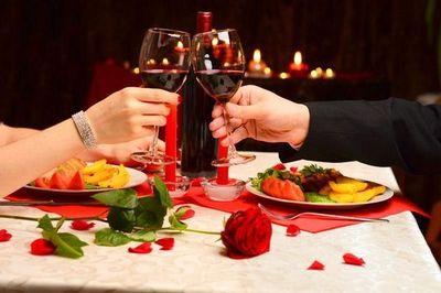 Restaurantes asuncenos arrasaron en el día de los enamorados