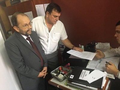 Latorre y Canillas dicen que urge entrega de celulares