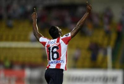 Junior sacó ventaja sobre Tucumán