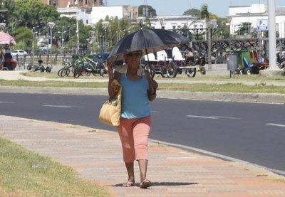 Extremo calor persistirá durante el fin de semana