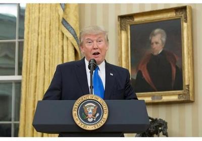Decretos, tensiones y caos: el primer mes de Trump