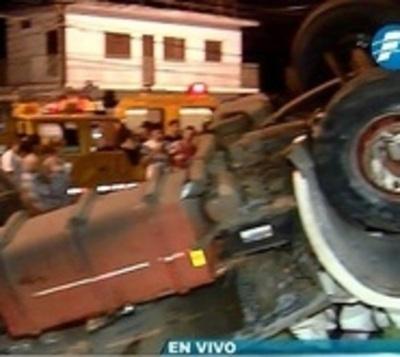 Video de fatal accidente muestra alta velocidad en que iba camión
