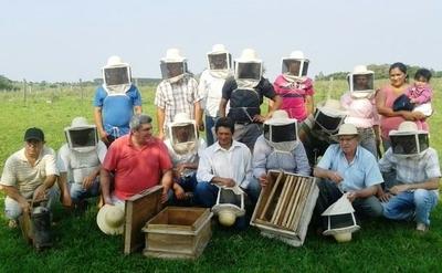 Productores de miel de Quiindy realizan segundo envío a Europa