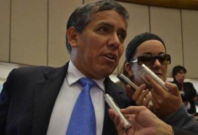"""Carlos Amarilla: """"No se ponen de acuerdo en el texto de la enmienda"""""""