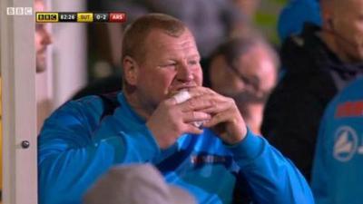 Arquero del Sutton renuncia al club