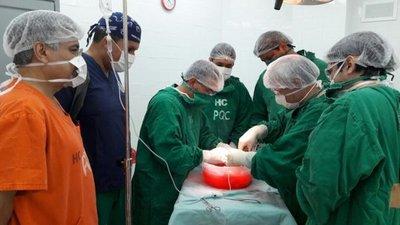 Mujer dona riñón y salva la vida a su marido