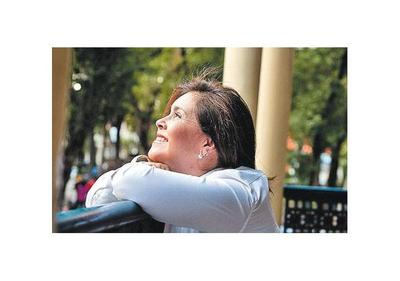 Lizza  Bogado presenta sus temas propios en el Municipal