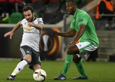 El United cumple el trámite y avanza en Europa League