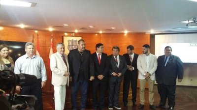 Chilavert reconocido como ciudadano ilustre de Asunción