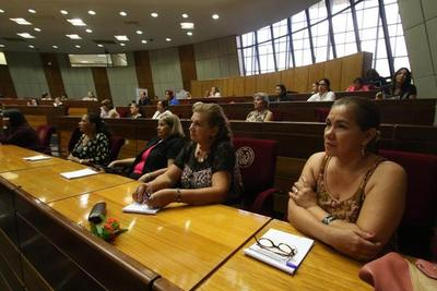Mujer paraguaya, valiosa pero rezagada