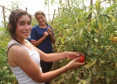 Mujeres de colonia Santa Lucía emprenderán proyectos de desarrollo