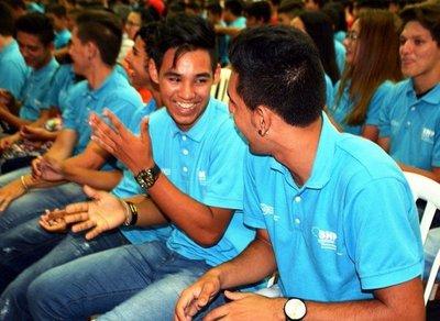 Unos 900 jóvenes reciben certificados para trabajar