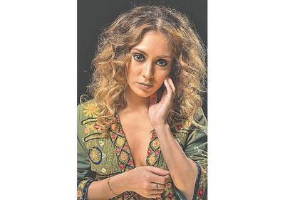 Marijó  Obregón lanza su disco  Bohemia  en el  Teatro Municipal