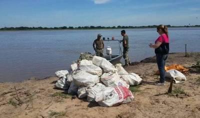 Incautan más de 800 kilos de droga en Pilar